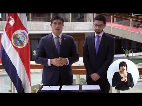 """Presidente de Costa Rica pide disculpas a la comunidad gay """"en nombre de la República"""""""