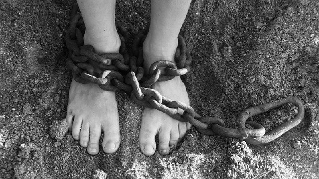20 Versículos de la Biblia sobre la Esclavitud