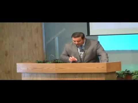 Jugando A La Iglesia - Ramon Covarrubias