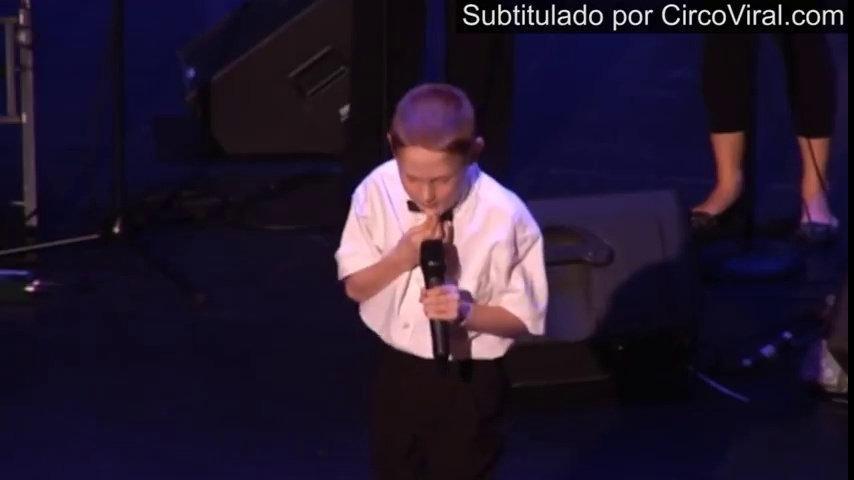 Que hermosa leccion  Niño ciego-autista con voz de ángel