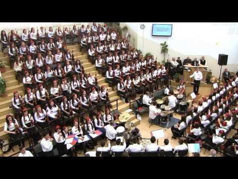 """""""AMIUNA"""" COPIL NASCUT DOAR PRINTRE BOI - Cea mai mare orchestră care Laudă pe Domnul"""