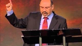 Sugel Michelén  — La Cruz y los Retos de Hoy en Día