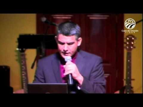 El Dios humilde -   Julio Márquez